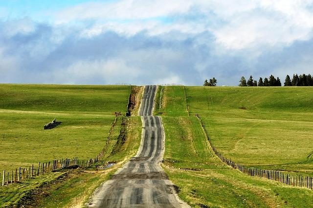 long-road-478155_640
