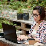 女性プログラマーも売り手市場!未経験でプログラマーになるおすすめ方法とは?